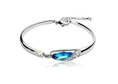 NTstore jewel-like sparkle Crystal bracelet glass shoe design