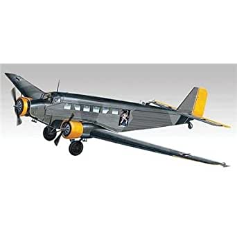 Revell 1:48 JU52 3M Transport with Figures