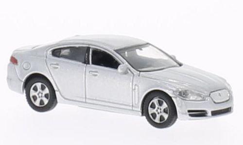jaguar-xf-argento-2008-modello-di-automobile-modello-prefabbricato-welly-187-modello-esclusivamente-