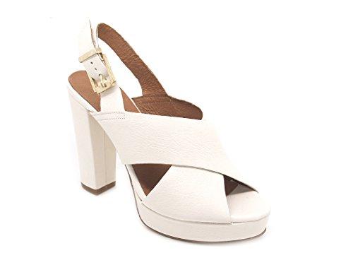 Carmens Padova sandali donna con cinturino, tomaia pelle crema/panna con incrocio e suola gomma