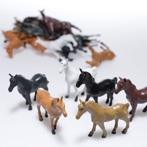 Plastic Horses - 12 Piece set