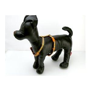 参考画像:装着状態横ペット(犬)用ハーネス:ハローキティ チロリアンハーネス M ベージュ