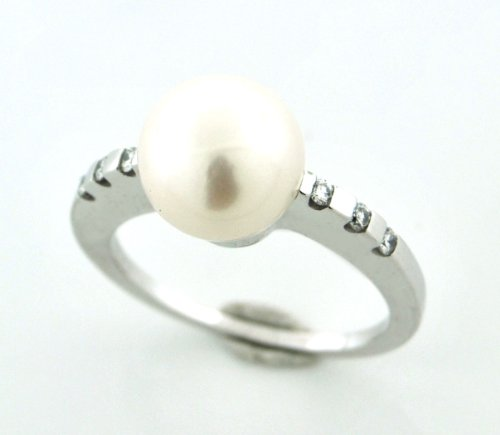 Beautiful Full Cut Diamond and Pearl Ring 10 Karat White Solid Gold!