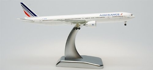 hogan-500-scale-die-cast-hg9277-air-france-777-300er-1-500-new-livery-with-stand-and-gear-by-daron-w