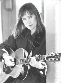 Image of Iris DeMent