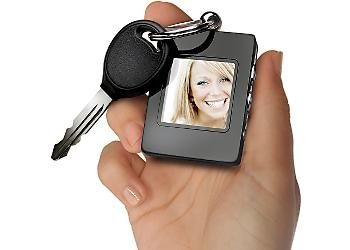 The Sharper Image Digital Photo Keychain, Black