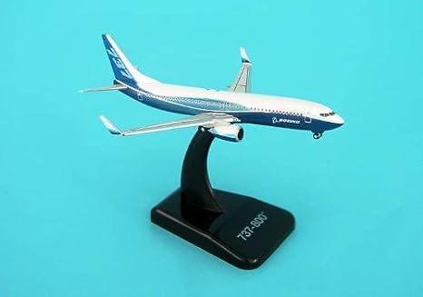 Boeing 737-800 W/ Winglet maquette avion échelle 1:500
