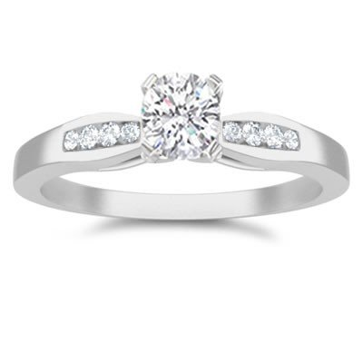 0.60 Carat Cheap Engagement Ring with Round cut Diamond on 18K White gold