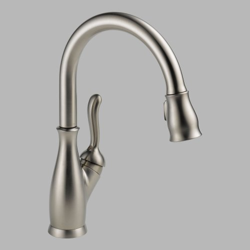 Delta 9178-SS-DST Leland Single Handle Pull-Down Kitchen Faucet, Stainless