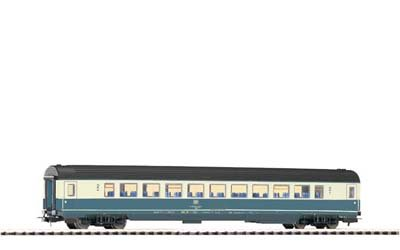 IC 2ND CLASS PASSENGER CAR - PIKO HO SCALE MODEL TRAINS 57611
