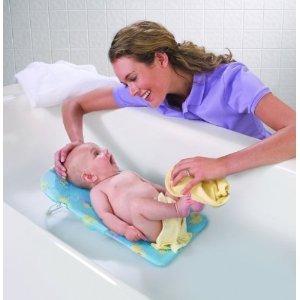 btdt moms best baby bath for small spaces babycenter. Black Bedroom Furniture Sets. Home Design Ideas