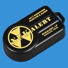 放射線警報器 NukAlert (ガイガーアラーム)限定パッケージ カラビナ/日本語マニュアル付 日本国内からの発送です