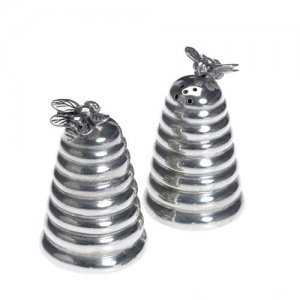 At home in the country - Bee on Beehive Salt and Pepper Set from At home in the country