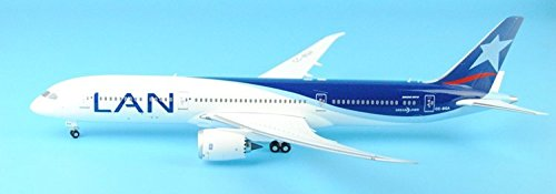 knlr-phoenix-20112-chile-airlines-cc-bga-1200-b787-9