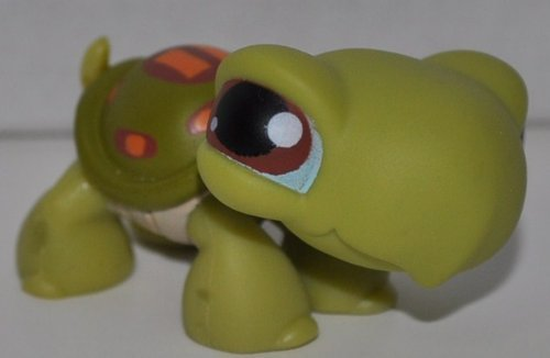 "Turtle #8 (Green, Brown Eyes, Green Shell, Maroon/Orange Marks, No Lashes, Blue ""Whites"" of eyes) 2005 Littlest Pet Shop (Retired) Collector Toy - LPS Collectible Replacement Single Figure - Loose (OOP Out of Package & Print) - 1"