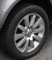 Land Rover LR2 Genuine 19 Inch 10 Spoke Wheel and Tires