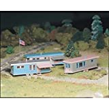 Bachmann Trains Trailer Park - 3 Trailers and Flag Pole with Flag