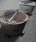 モダン水コンロ 黒☆インテリアともぴったりの七輪♪同色の天然木鍋敷き・焼き網・トング付き