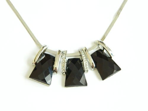 Klaritta Stylish & Elegant Black Office Lady Three Stones Chokers Necklaces N66