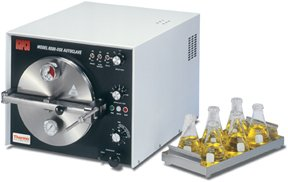 Autoclave Thermo Scientific Napco Model 8000DSE Sterilizer; Chamber: 9 dia. x 18 in. D; Reservior: 1 qt