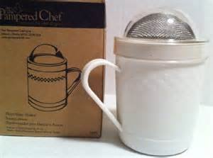 Amazon Com The Pampered Chef Flour Sugar Shaker Kitchen