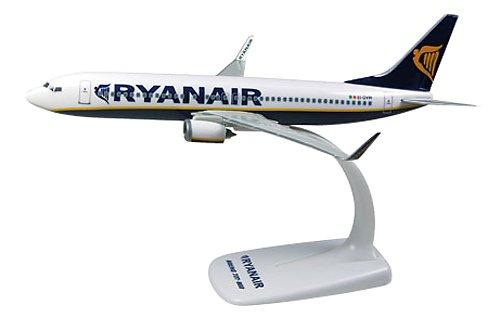 herpa-609395-ryanair-boeing-737-800-1200-snap-fit-model