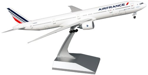 Daron Skymarks Air France 777-300ER Airplane Model Building Kit with Gear 1/200-Scale (Air France Model compare prices)