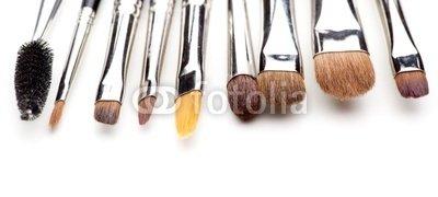 """Wallmonkeys Peel and Stick Wall Decals - Die Unterschiedlichen Makeup Pinsel - 24""""W x 11""""H Removable Graphic"""