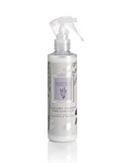 Signature Spa Lavender & Chamomile Luxury Fabric Freshener 125ml