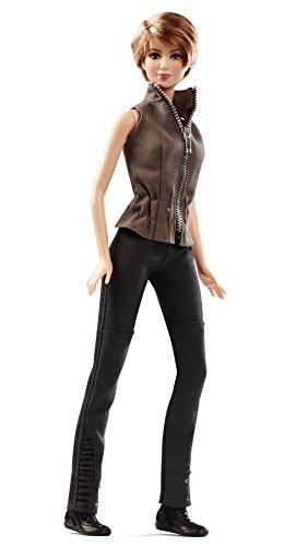 Barbie-Mueca-Tris-Insurgente-Mattel-CHF57