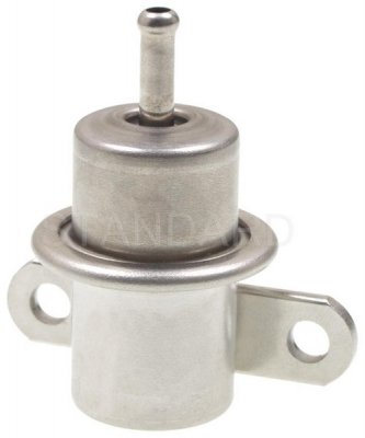 Standard Motor Products FPD18 Fuel Pressure Regulator