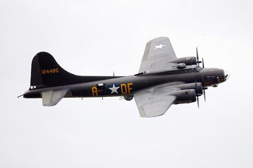 B-17 Flying Fortress Bomber 'Memphis Belle' 8x12 Silver Halide Photo Print