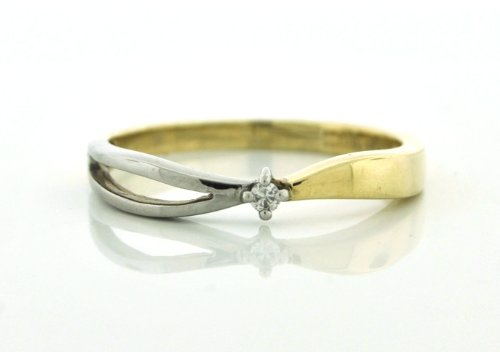 White and Yellow 14 Karat Gold Diamond Full cut Ring Size 8!
