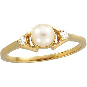 Genuine IceCarats Designer Jewelry Gift 14K Yellow Gold Cultured Pearl And Diamond Ring. Size 6.00 Cultured Pearl And Diamond Ring In 14K Yellow Gold Size 6.00