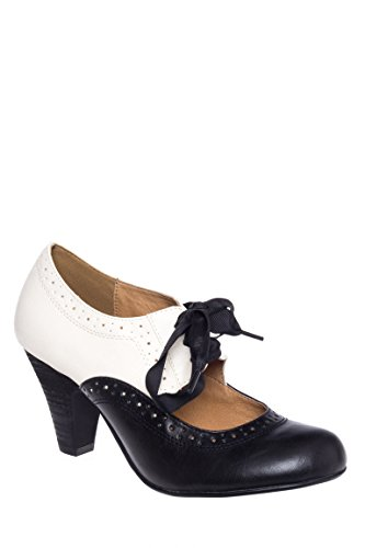 Sylvia Mid Heel Closed Toe Pump