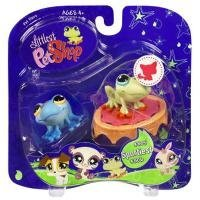Buy Low Price Hasbro Littlest Pet Shop Assortment 'A' Series 1 Collectible Figure Blue and Green Frogs with Trampoline (B0026M74RW)