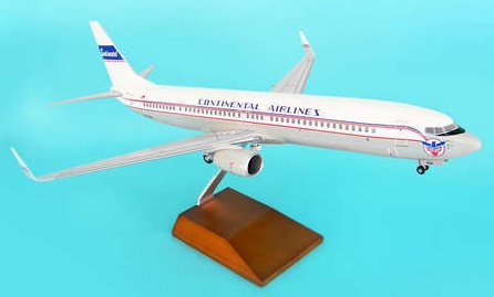 1: 100 スカイマークスSuprem Continental 航空 ボーイング 737-900 Retro Colors, with Landing Gear and Wood Stand (並行