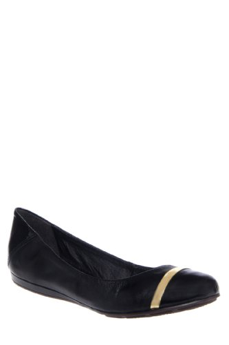Chelsea Crew Bridge Round Toe Flat Shoe