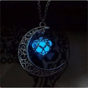 1-x-crescent-moon-heart-wishing-box-glow-in-the-dark-necklacecharm-crescent-moon-glow-pendant-neckla