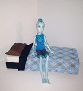 Amazon.com: Monster High Gill Slo Mo Inspired Doll Furniture Bed (doll