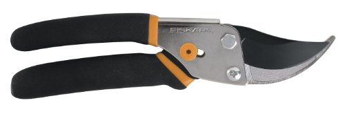 Fiskars Traditional Bypass Pruning Shears photo