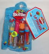 bonne-bell-lip-smacker-skittles-tropical-lip-gloss-collection-4-pieces-in-zippered-pouch-by-lip-smac