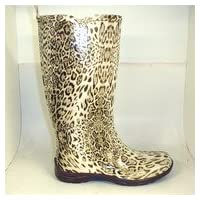Ladies fashion wellingtons in exclusive leopard print