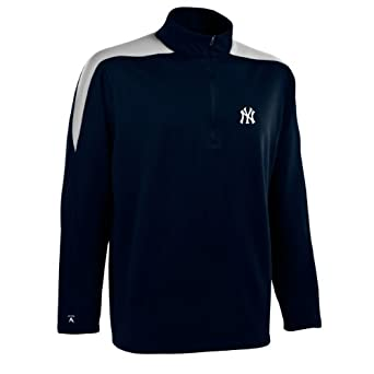 MLB Mens New York Yankees Succeed Pullover by Antigua