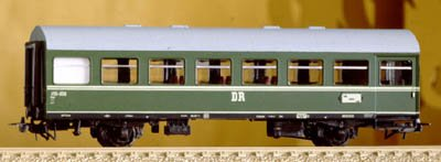 REKO DURCHGANGSWAGEN DR PASSENGER CAR - PIKO HO SCALE MODEL TRAINS 53031