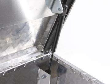 "Lund 4470Fm Silver 70"" Aluminum Diamond Plated Full Lid Flush Mount Box front-1077060"