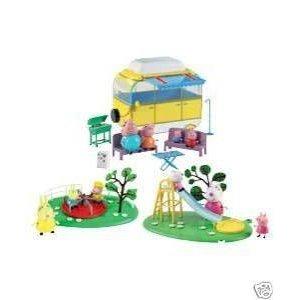 Peppa Wutz Urlaubs-Spielset mit 10 Figuren, Wohnwagen, Rutsche und Karussell jetzt kaufen