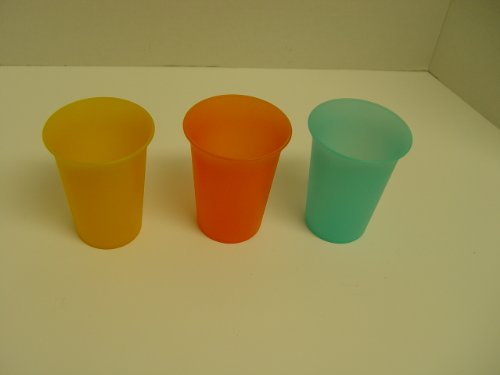 Tupperware Sippy Cups front-1070113