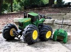 Ertl John Deere Monster Treads Remote Control Tractor (John Deere Remote Control compare prices)