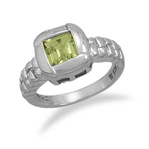 Sterling Silver 6mm Square Peridot with Overlapped Edge Ring / Size 7